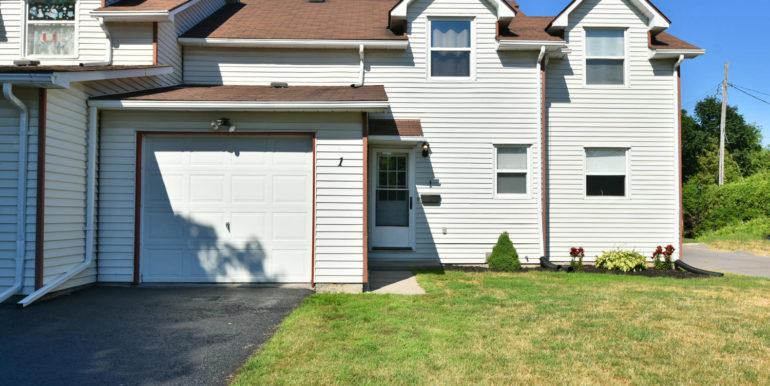 27 1 Aldershot Ave Brockville-large-007-012-Exterior Front-1500x1000-72dpi