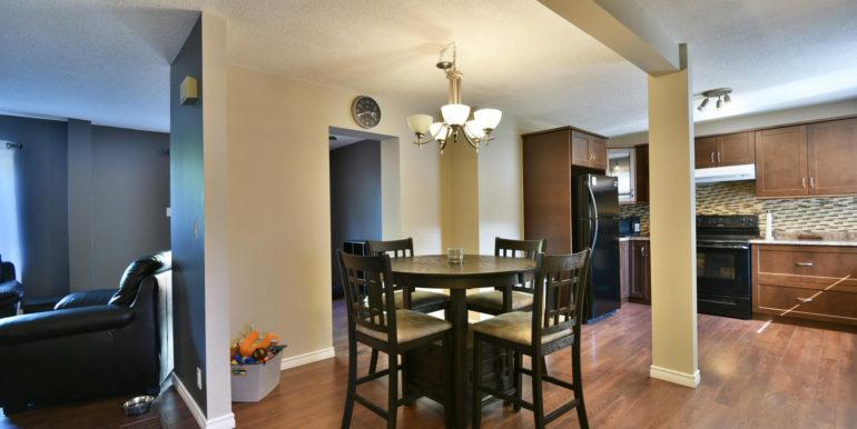 27 1 Aldershot Ave Brockville-large-012-018-Dining Room-1500x1000-72dpi