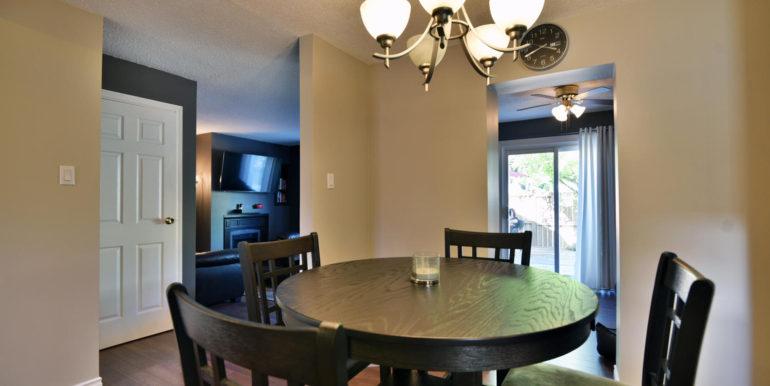 27 1 Aldershot Ave Brockville-large-014-010-Dining Room-1500x1000-72dpi