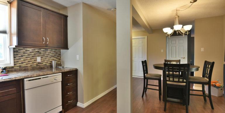 27 1 Aldershot Ave Brockville-large-016-020-Kitchen-1500x1000-72dpi