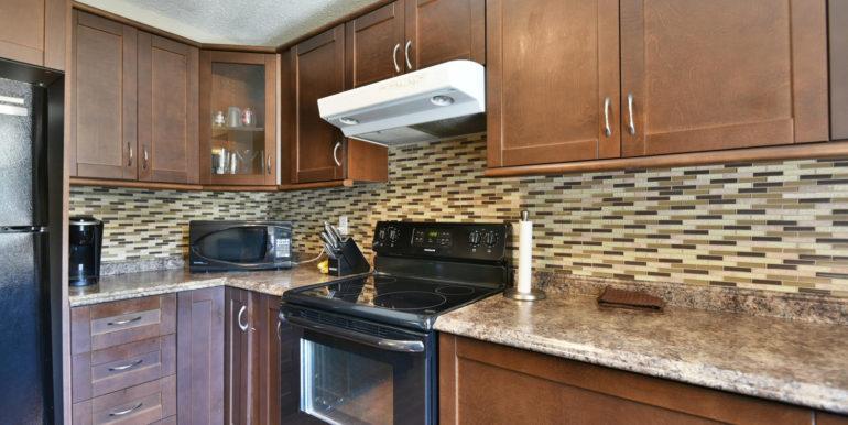 27 1 Aldershot Ave Brockville-large-017-013-Kitchen-1500x1000-72dpi