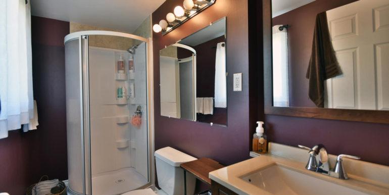 27 1 Aldershot Ave Brockville-large-029-031-Bathroom-1500x1000-72dpi