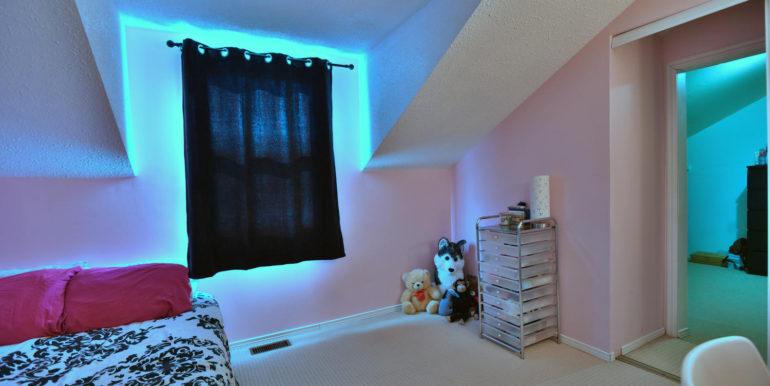 27 1 Aldershot Ave Brockville-large-032-033-Bedroom-1500x1000-72dpi
