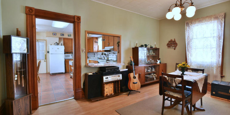 08-52-8 Dining Room 1