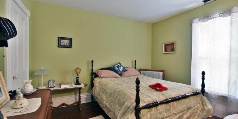 18-52-19 Bedroom 3