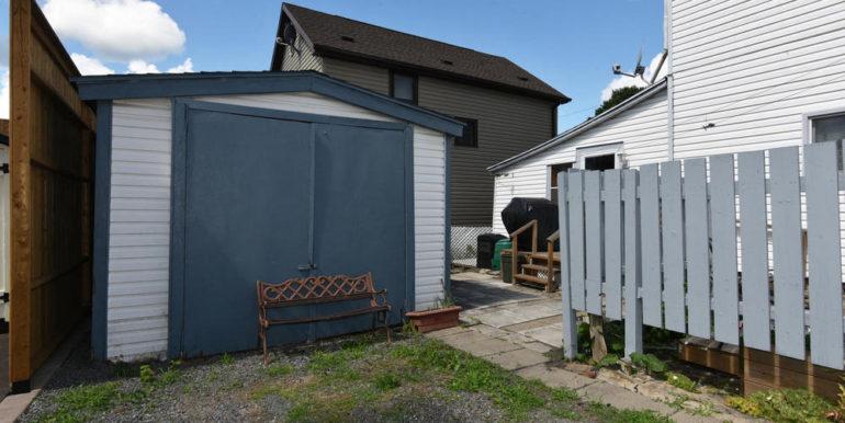 21-52-24 Garage 1
