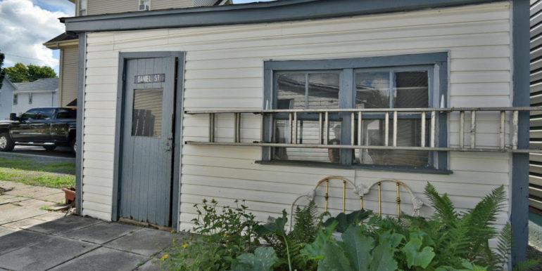 23-52-25 Garage 2