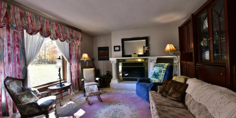 03-3530-04 Living Room 1