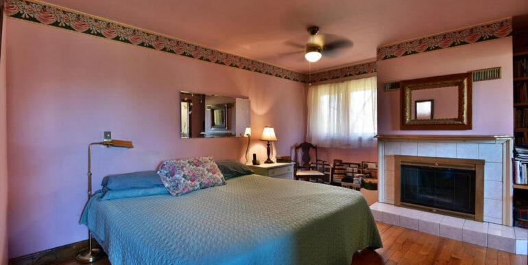 09-3530-10 Master Bedroom 1