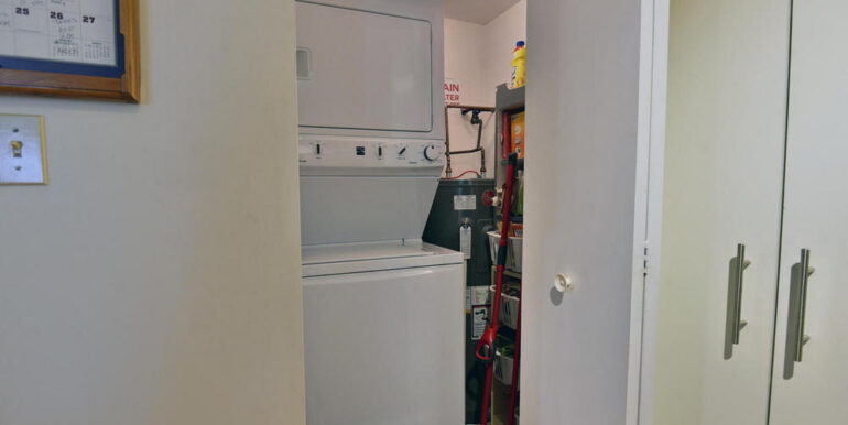 09-274-7 Laundry