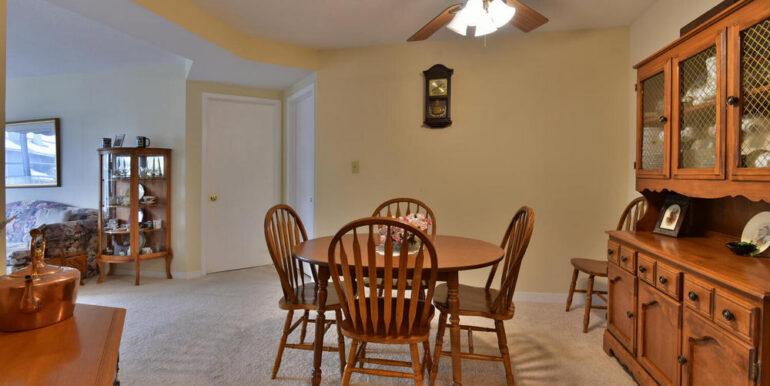 10-274-3 Dining Area