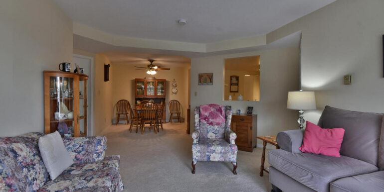 12-274-8 Living & Dining Room
