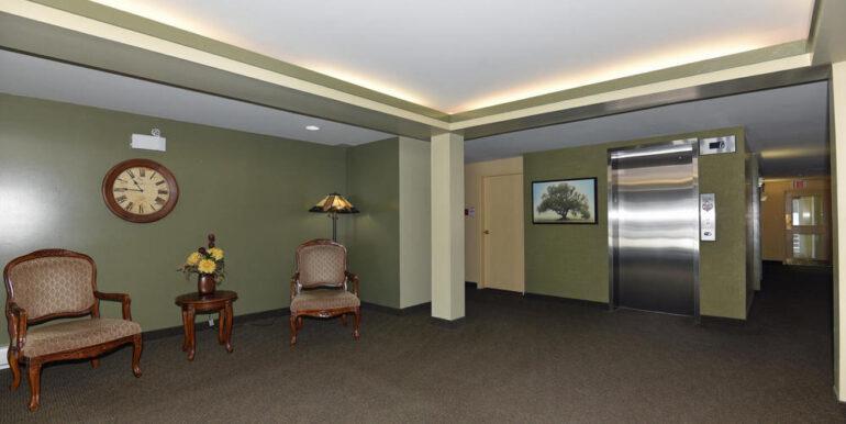 19-274-17 Lobby 1
