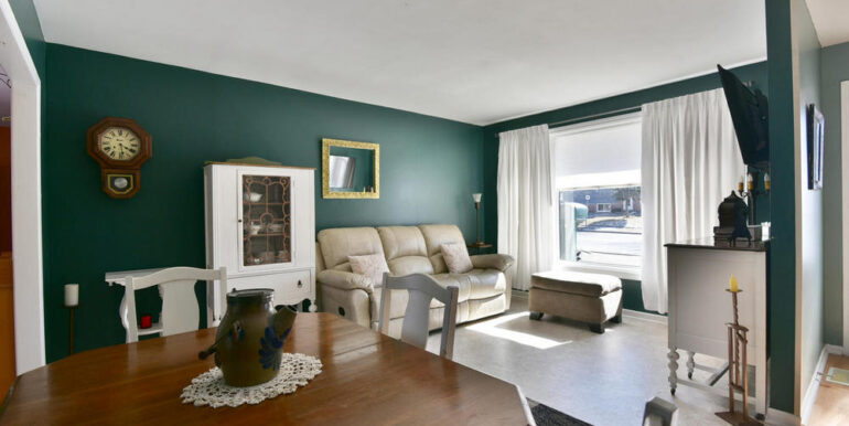 05-648-9 Living Room 2