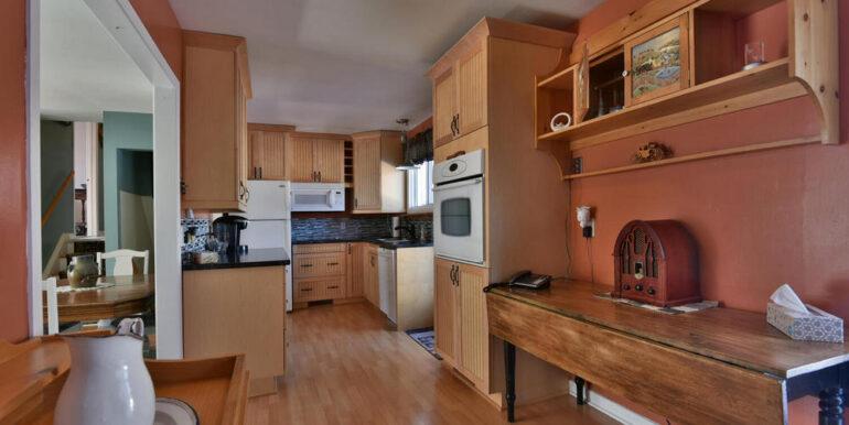 08-648-5 Kitchen 2