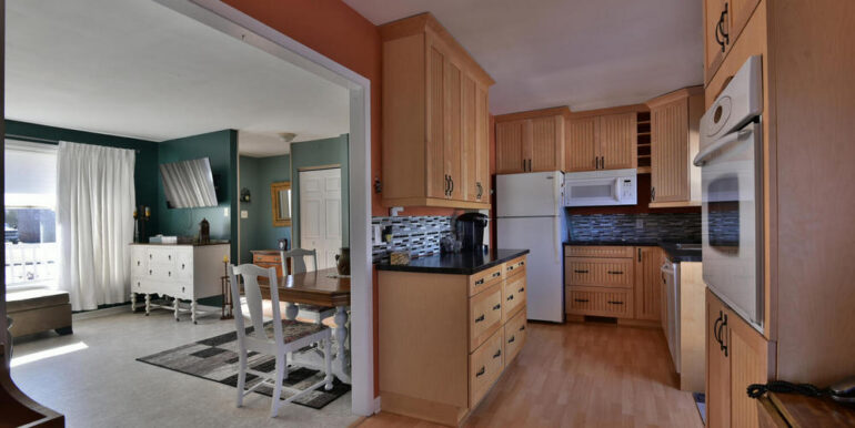 09-648-2 Kitchen 1