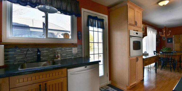 12-648-8 Kitchen 5