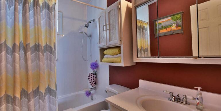 16-648-16 Main Bathroom