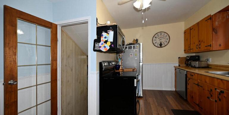 05-2208-6 Kitchen 3