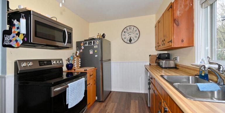06-2208-5 Kitchen 2