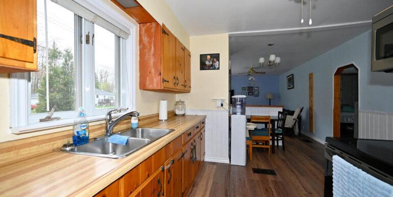 07-2208-3 Kitchen 1