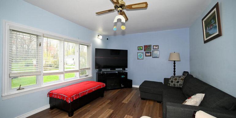 08-2208-4 Living Room