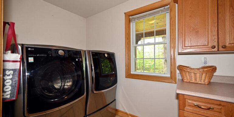 08-5215-16 Main Floor Laundry