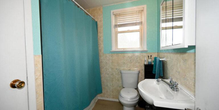 10-2208-11 Bathroom