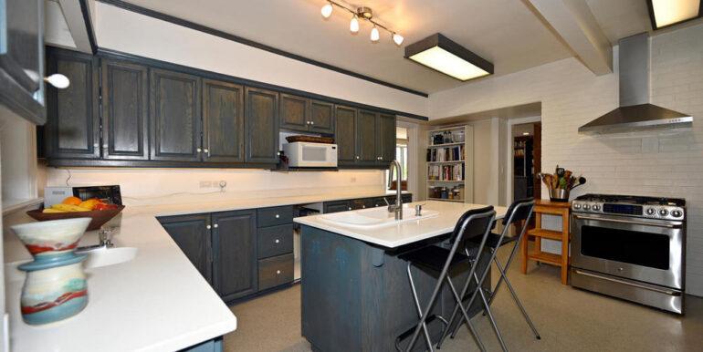11-1931-5 Kitchen 1