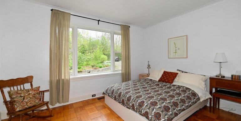 15-1931-17 Bedroom 2