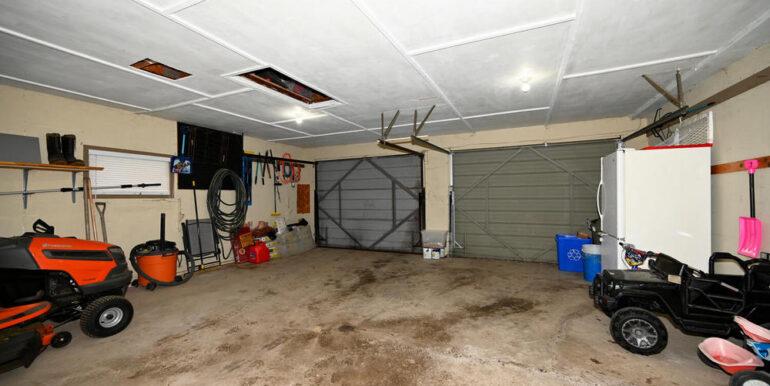 16-2208-17 Garage 1