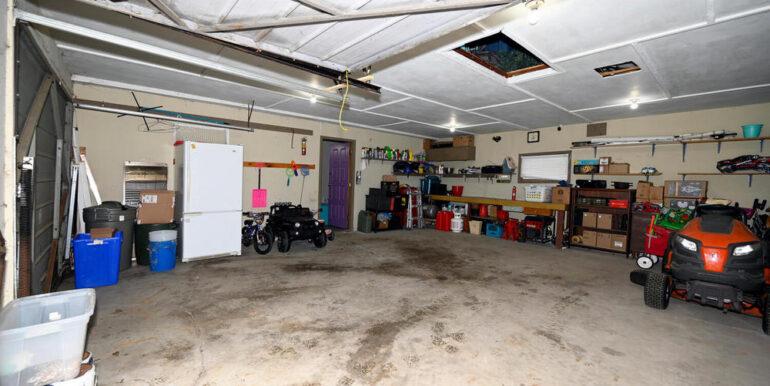 17-2208-18 Garage 2