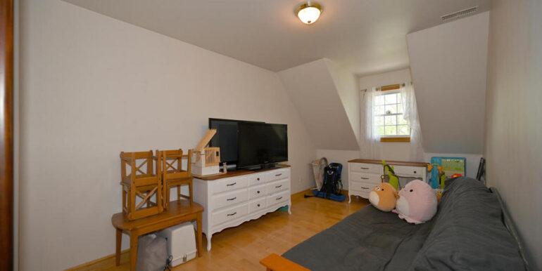 18-5215-18 Bedroom 3