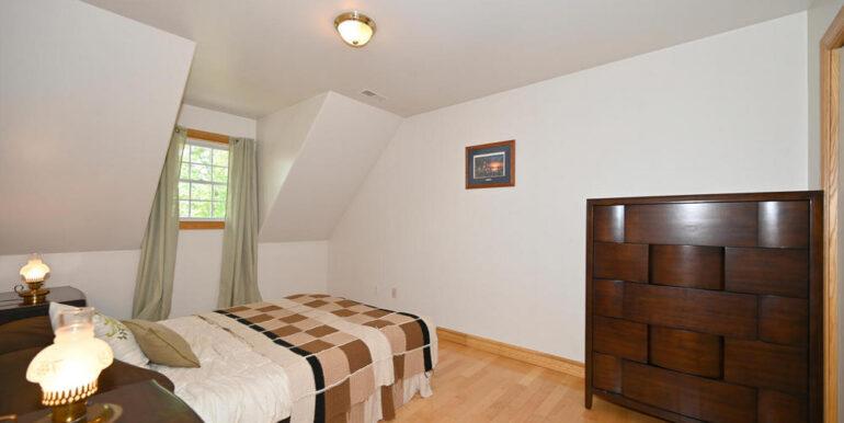 20-5215-19 Bedroom 4