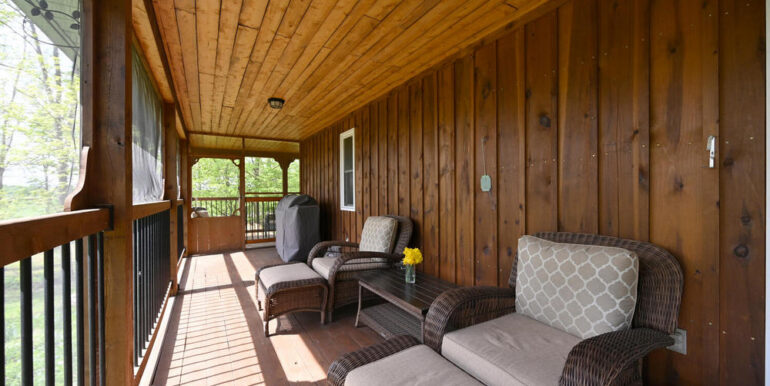 21-5215-27 Front Porch 2
