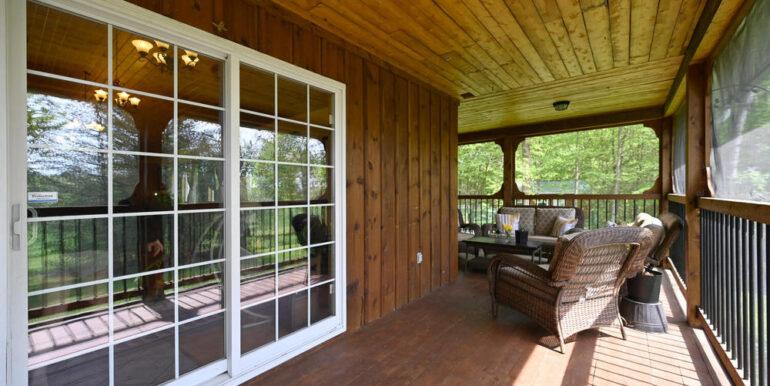 22-5215-28 Front Porch 3