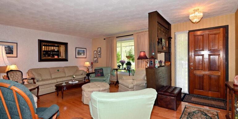 03-178-9 Living Room 2