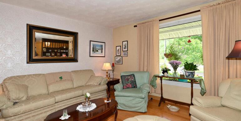 04-178-4 Living Room 1