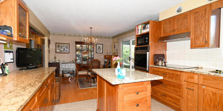 08-178-7 Kitchen 2